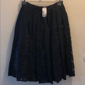Dresses & Skirts - Skirt NEW